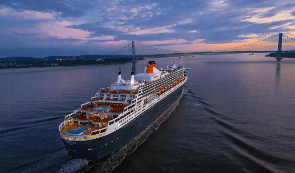 Cunard QM2 New York